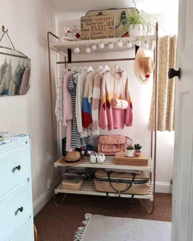 Já pensou em deixar suas roupas à mostra?