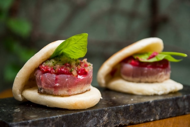 Panini de atum com beterraba e azedinha (da Fazenda Cubo), prato do Più.