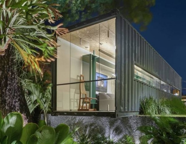 Assinado por Felipe Soares na Casacor Minas Gerais, ambiente montado no interior de um container, tal como prevê o projeto Janelas Casacor