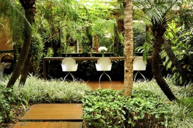 Os jardins do salão de Marcos Proença