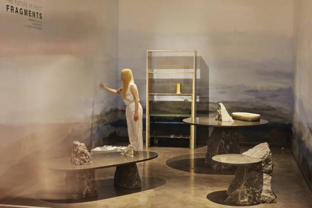 A mostra Fragmentos com móveis projetados pelo designer holandês Lex Pott