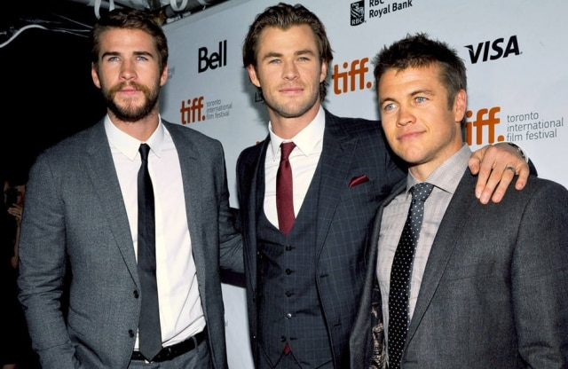 Liam Hemsworth revela que teve dificuldades de relacionamento com seu irmão Chris Hemsworth, na adolescência.