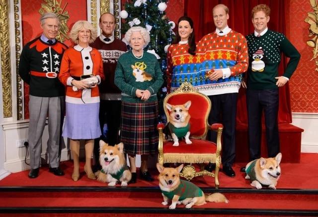 Até os cães da rainha Elizabeth II ganharam roupinhas