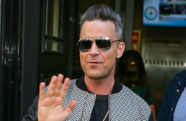 Robbie Williams confessou que já usou botox e fez preenchimento
