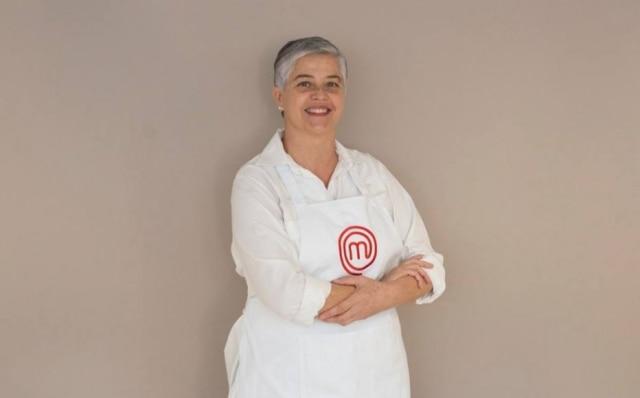 Arquiteta em São Bernardo do Campo, Anna Paula é séria e reservada e decidiu entrar no 'MasterChef' após elogios de amigos. Diz que não está na competição para fazer amizades.