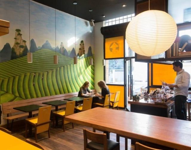 Ambiente do restaurante Chá-Yê, o chinês mais jovem da cidade
