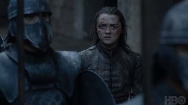 Maisie Williams como Arya Stark em cena do último episódio de 'Game of Thrones'