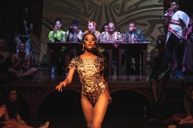 Festa do Coletivo Amem promove competições com performances de artistas da comunidade LGBT+.