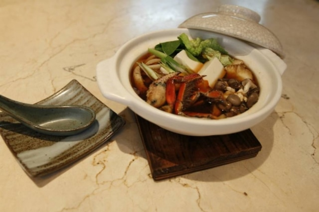 Sukiyaki com caranguejo do restaurante Kinu, do hotel Hyatt
