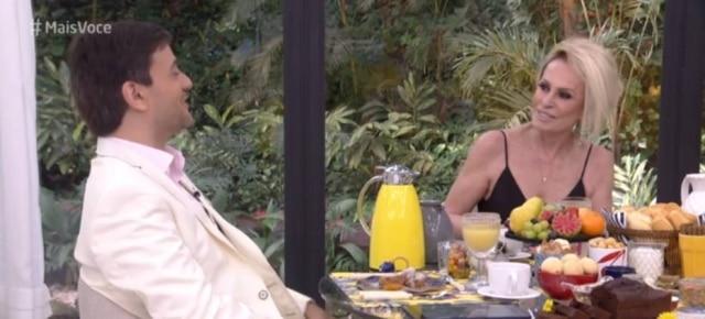 Bruno Astuto e Ana Maria Braga durante conversa no programa 'Mais Você', da TVGlobo.