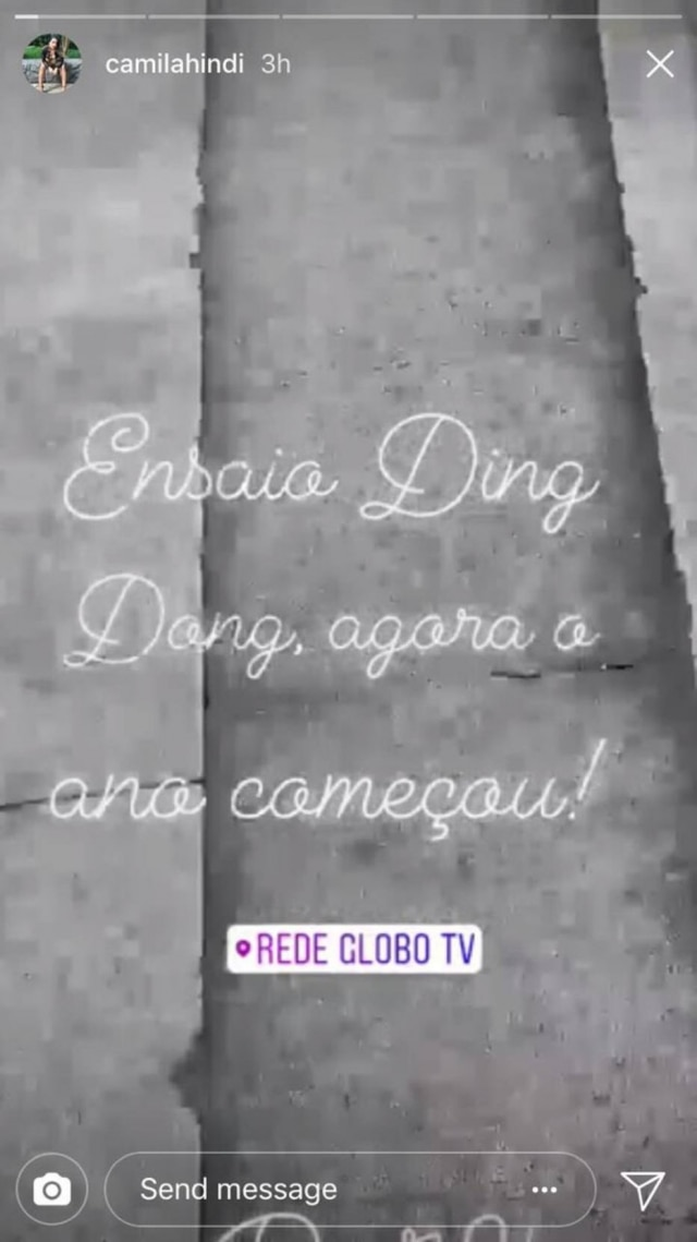 Bailarina do 'Domingão do Faustão', Camila Hindi, registra ida a ensaio do quadro 'Ding Dong'