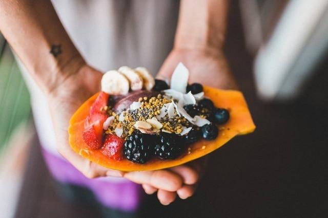 Alimentação saudável é uma prioridade para os jovens.