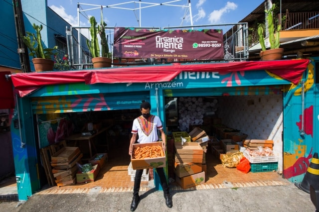 Armazém Organicamente, que promove a venda de ingredientes orgânicos à população do Campo Limpo.