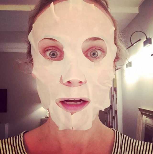 A atriz Diane Kruger apostou na sheet mask para cuidar da pele