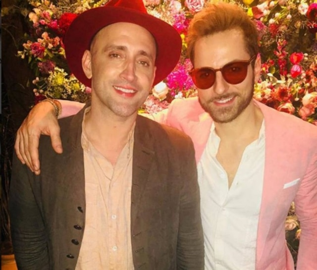 O humorista Paulo Gustavo e o marido dele, o dermatologista Thales Bretas.