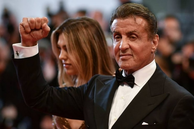 Ator Sylvester Stallone chega para a exibição de 'Homenagem a Sylvester Stallone - Rambo: primeiro sangue'na 72ª edição do Festival de Cannes em Cannes, no sul da França, em 24 de maio de 2019