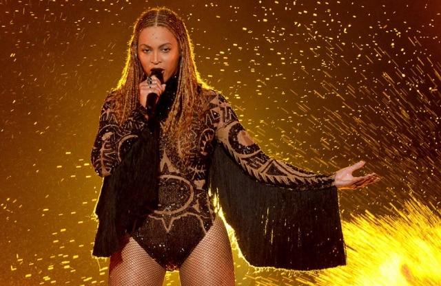 Bodyusado por Beyoncé em nova turnê é incrustado com mais de 30 mil cristais