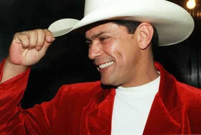 O cantor Leandro durante a Festa do Peão de Barretos em 1997.