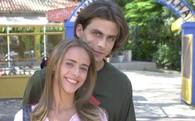 Juliana Silveira e Henri Castelli em gravaçãode 'Malhação' em 2002.