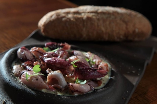Lulinhacaccio e peppe. A combinação de queijo pecorino e pimenta-do-reino com a lulafunciona.