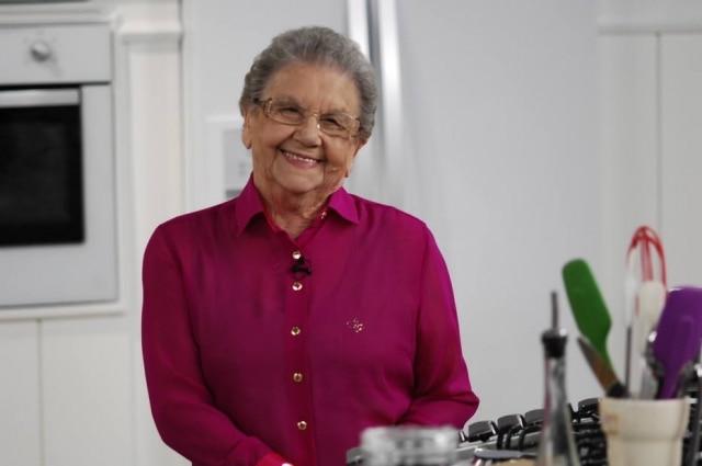 A apresentadora Palmirinha foi internada para reposição de sódio no sangue
