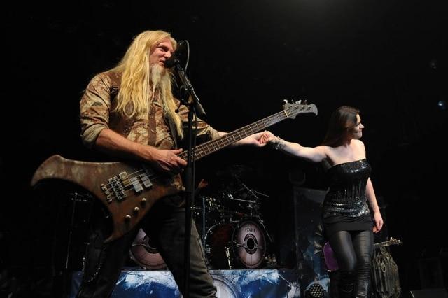 Marco Hietala em show do Nightwishem 5 de outubro de 2012, na Califórnia