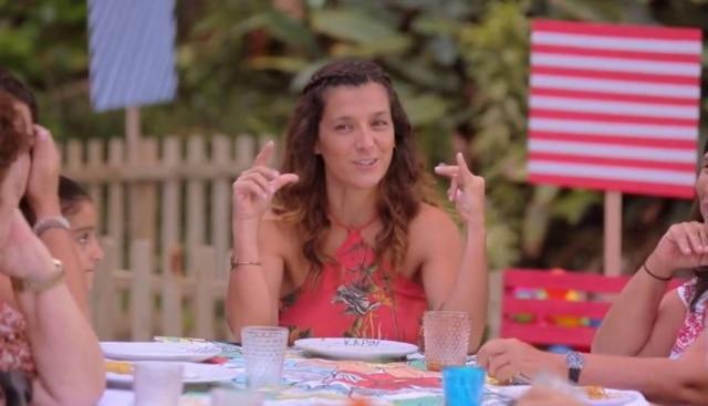 Gabriela Kapim durante o último episódio da temporada do 'Socorro!Meu Filho Come Mal'.