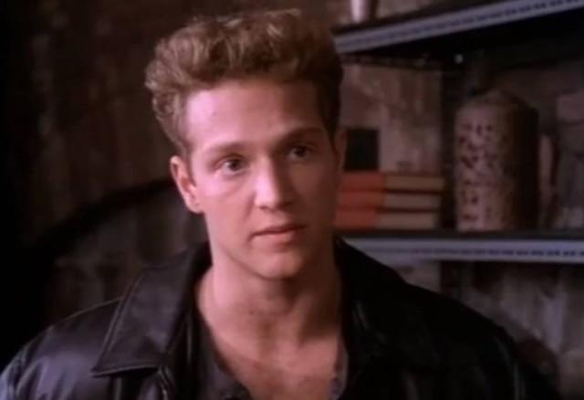 Stan Kirsch como Richie Ryan em cena de 'Highlander'.