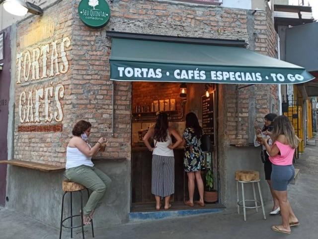 Fachada do Seu Quintal Café, no Ipiranga.