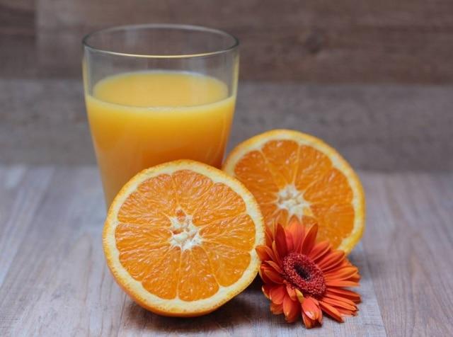 Bebida contémcálcio e vitamina D e, quando fortificada, ajuda ainda mais na proteção dos ossos.