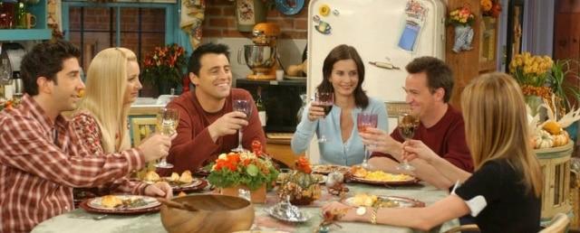 Os amigos ao redor da mesa: 'Friends' terá episódio especial nesta quinta.