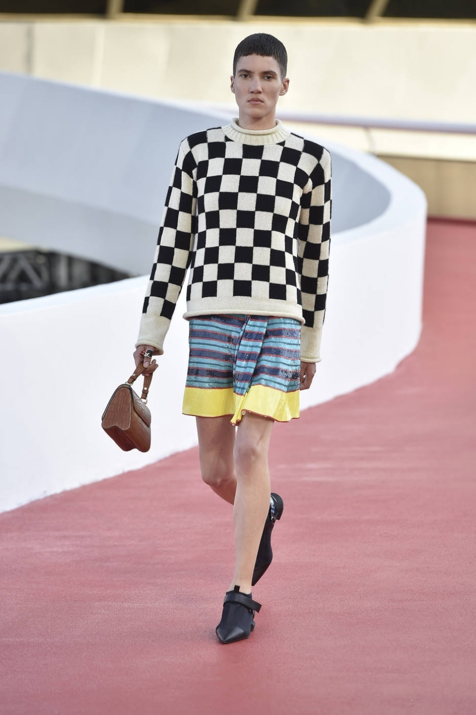 LOUIS VUITTON Women Collection Fall-Winter 2016/2017 © Louis Vuitton Malletier – All rights reserved