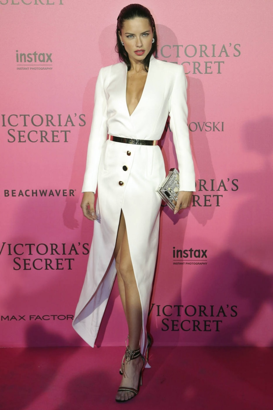 e7d5617c9 Confira os looks da after party do desfile da Victoria s Secret ...