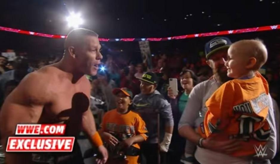 Reprodução / YouTube @WWE