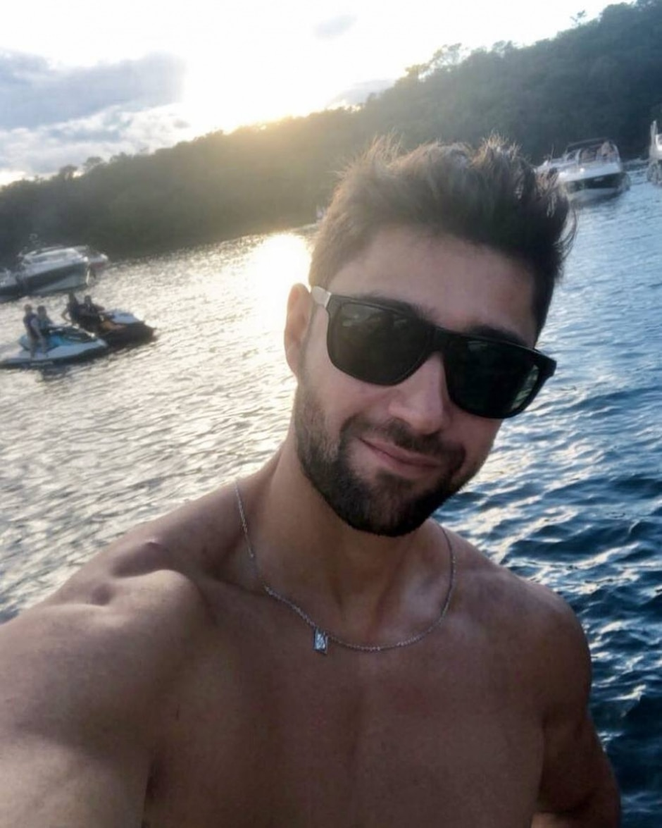 Instagram / @carlosgopfert
