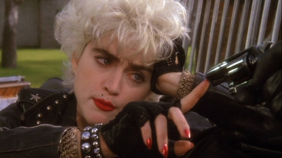 Reprodução de cena de 'Quem é esta garota?' (1987)/ Warner Bros.