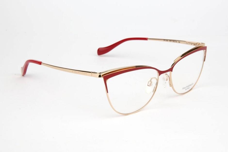 a2a6607b5cd8f Conheça as novidades em óculos de sol e grau para 2018 - Emais - Estadão