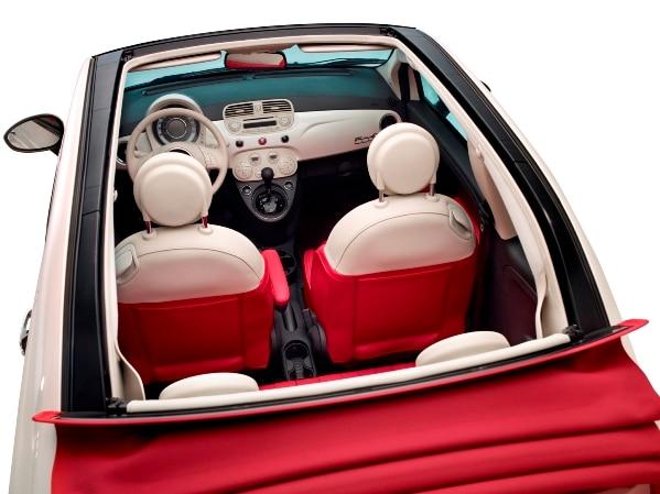 avalia o o charme do fiat 500 cabrio jornal do carro estad o. Black Bedroom Furniture Sets. Home Design Ideas