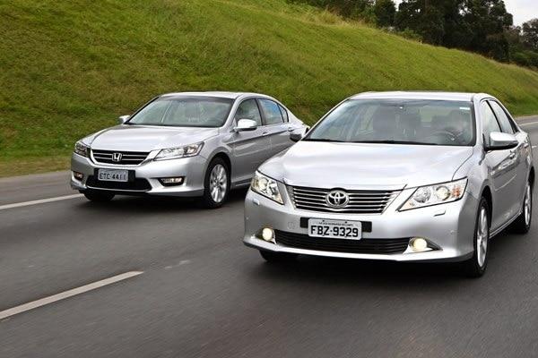 Comparativo: Honda Accord X Toyota Camry
